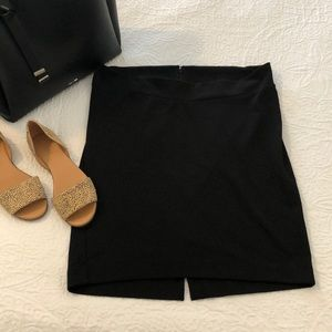 Liz Lange maternity skirt size small